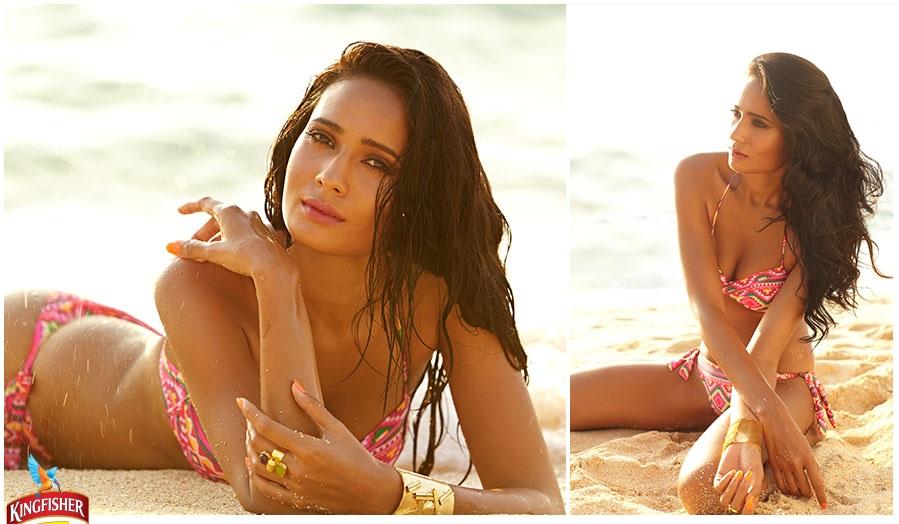 bikini desi girl