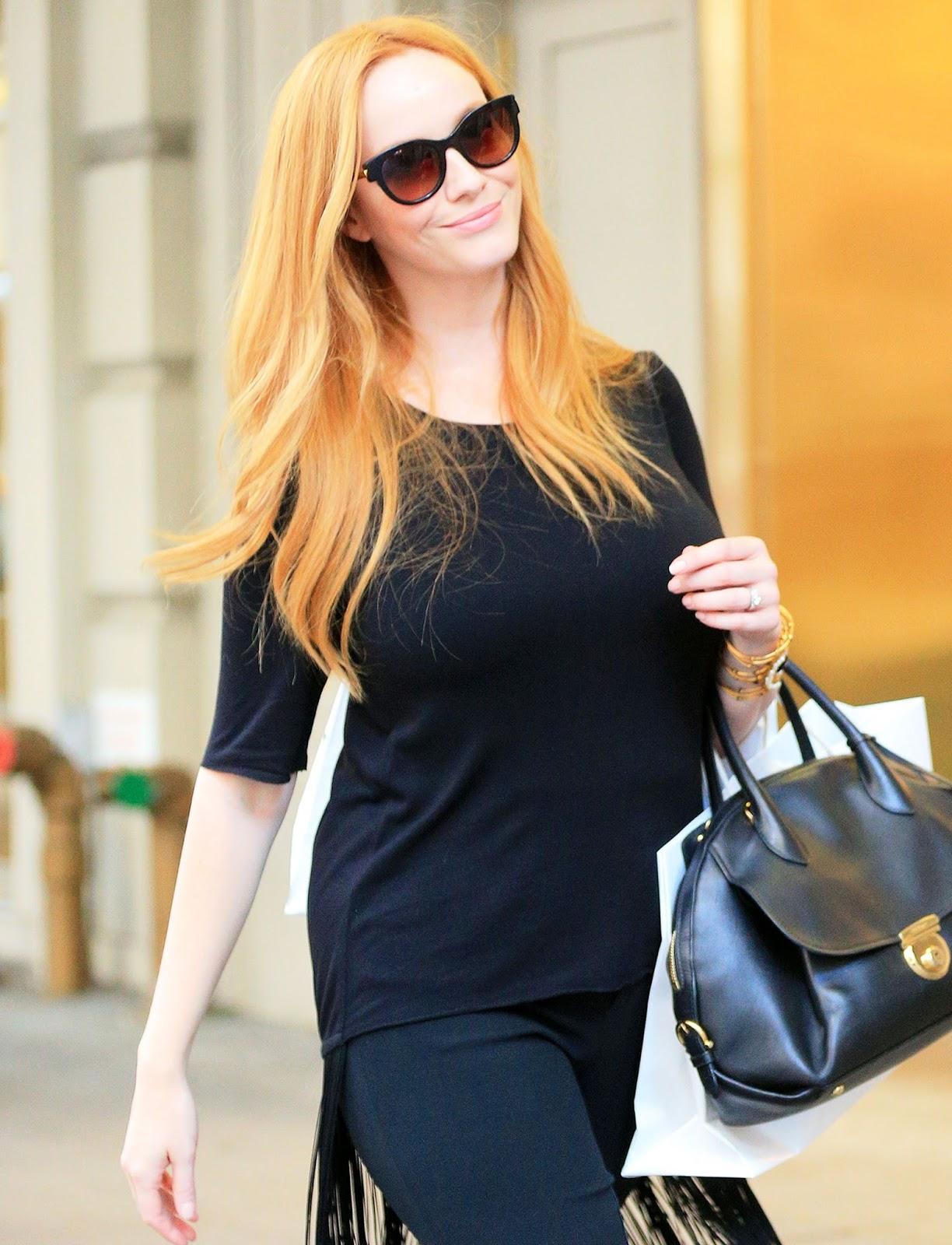 haykhota.com: Actress @ Christina Hendricks - out shopping