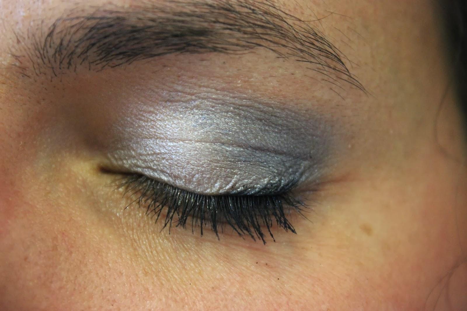 bleu gris avec bareMinerals