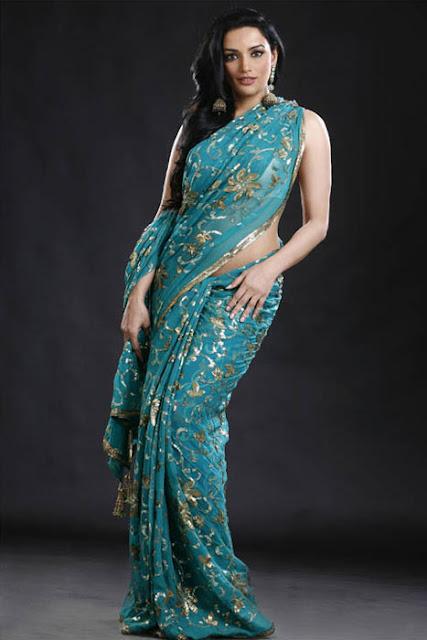 Actress Swetha Menon Ravishing Look in a Designer Saree