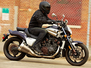 2013 Yamaha VMax VMX17 Motorcycle Photos 2