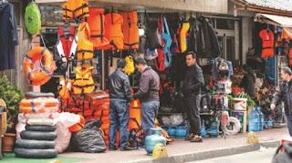 Δείτε πώς οι Τούρκοι οργανώνουν τους πρόσφυγες για να τους περάσουν στην χώρα μας - Ανοίξαν και μαγαζιά με σωσίβια!