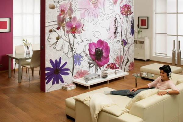 d coration salon avec papier peint floral d coration salon d cor de salon. Black Bedroom Furniture Sets. Home Design Ideas