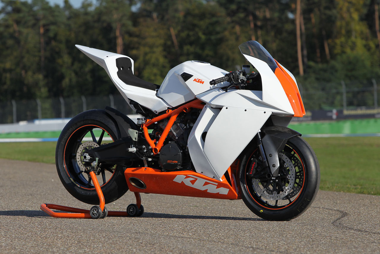 2011 KTM RC8-R Track Official Photos