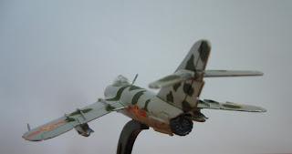 Italeri 1 to 100 Mikoyan Gurevich Mig-17 F Fresco C