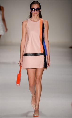 vestido em couro PatBo coleção Verão 2016
