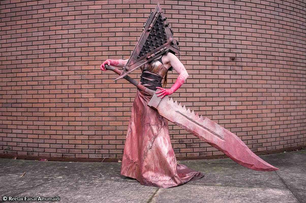 cosplay féminin sexy de pyramid head