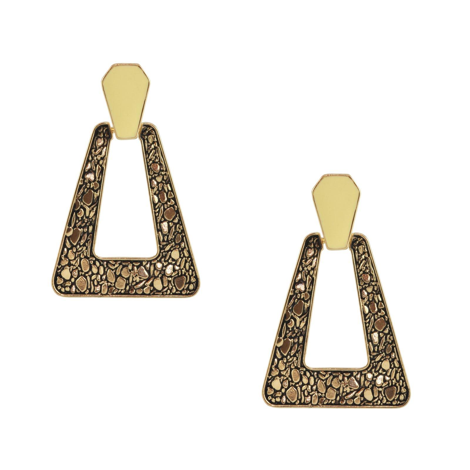 http://3.bp.blogspot.com/-z8hqWyyLKf0/Td4R8-W7u8I/AAAAAAAAAmE/_mbk9xGbPps/s1600/Sophie%2527s+Closet_Belle+Noel_Large+Gold+Nugget+Earrings_-%25C3%25BA31.89.jpg