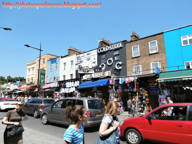 Decorated facades on Camden High Street, London. Fachadas decoradas en Camden High Street, Londres.