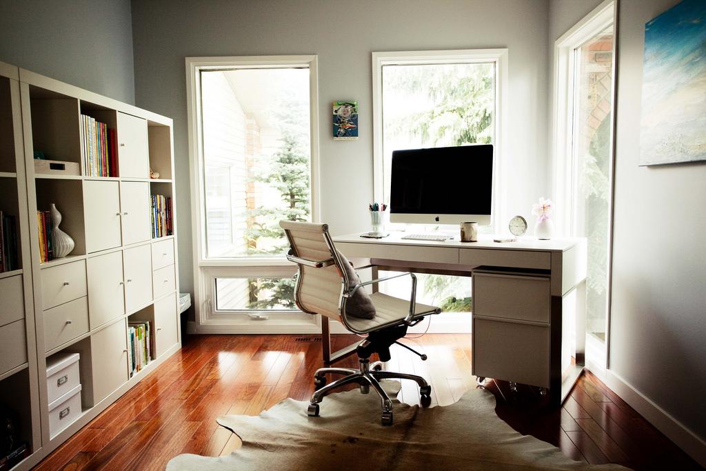 de mooiste bureaus om je meesterwerken te schrijven passie voor schrijven. Black Bedroom Furniture Sets. Home Design Ideas