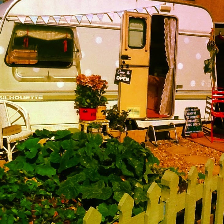 Dotty the vintage caravan