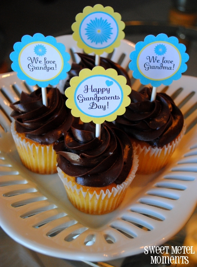 http://sweetmetelmoments.blogspot.com/2012/09/free-printable-grandparents-day-party.html