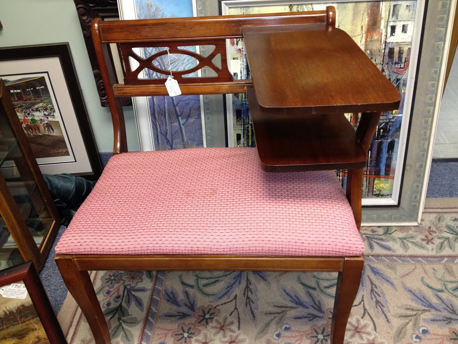 Attirant Vintage Telephone Table Or Gossip Bench: A Great Idea
