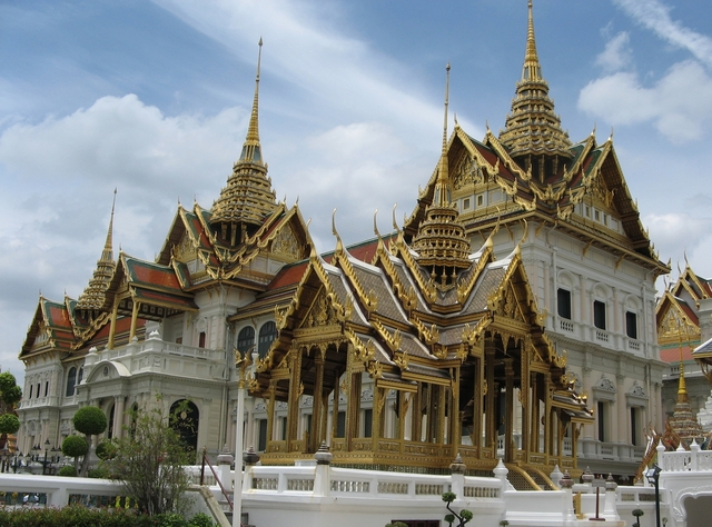 royal palace Bangkok thailand grand palace exterior