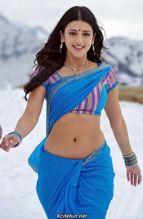 Shruthi hot navel 1 - (4) - Shruti Hassan: The Blue Sari