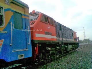 Dhoho lokomotif merah