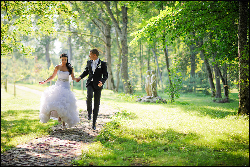 vestuvių fotosesija taujėnų dvare