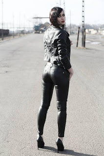 顽皮的女孩 - sexygirl-Madzialena951-756204.jpg