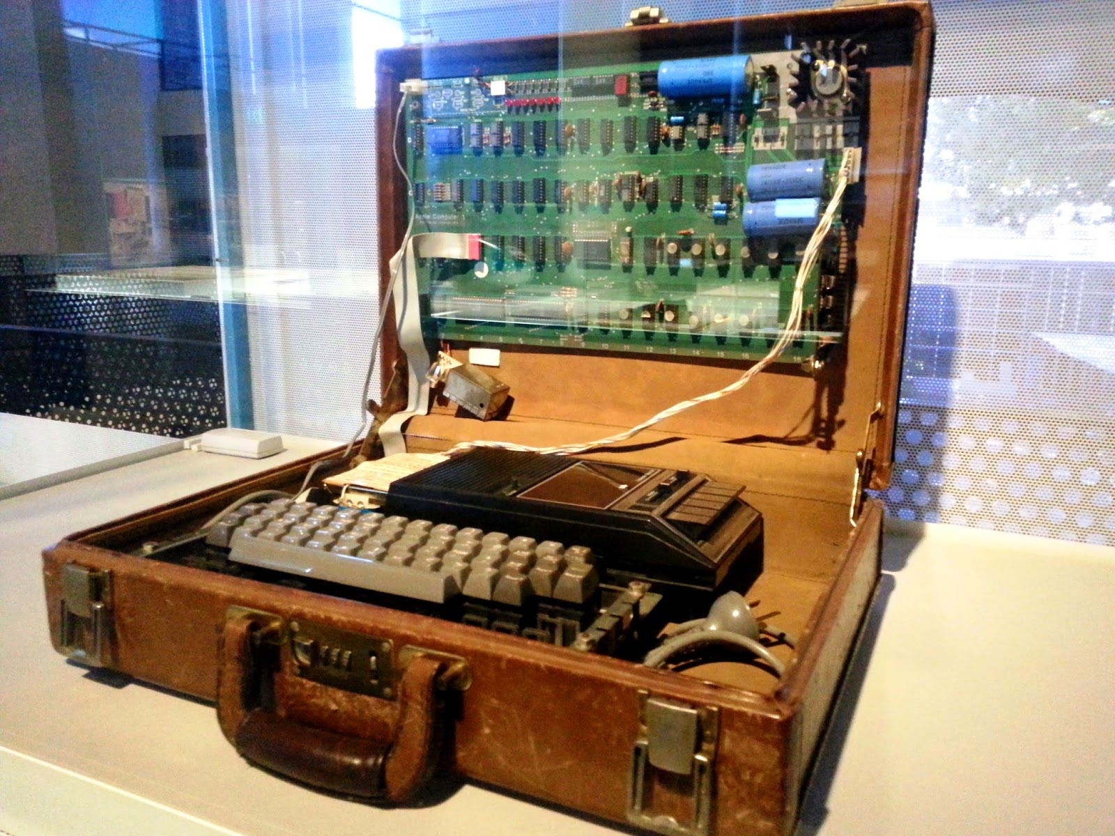 An original Apple 1976 personal computer on display in the Powerhouse Museum.
