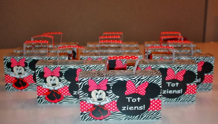 Minnie Mouse traktatie koffertje Annekoendigitaal