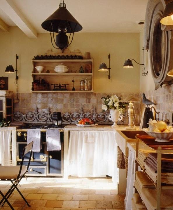 Una casa de estilo provenzal frances french provencal - Cocina estilo provenzal ...
