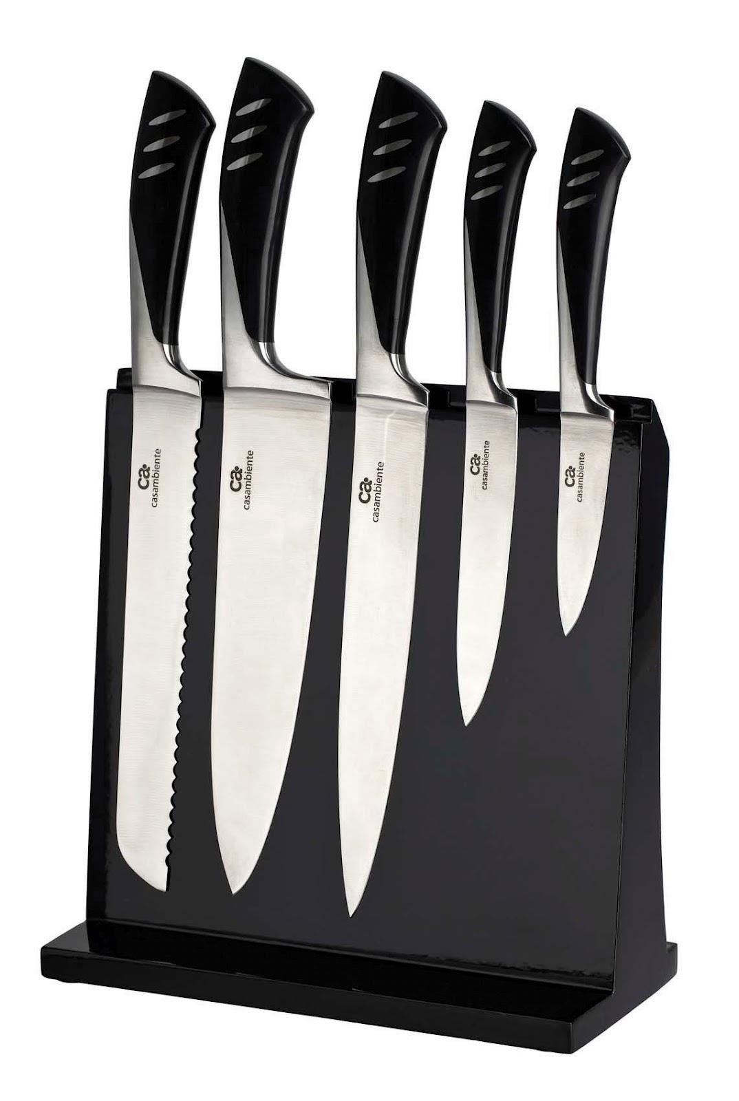 A moda agora são as facas de cerâmicas, não precisam afiar nunca e bem mais  leves que as tradicionais. Veja este cepo com 3 facas de cerâmica e um  cortador ... 4a97a72731