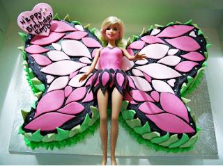 Bolo de fada com Barbie para festa infantil