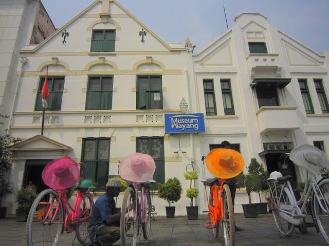 Dua Gedung Museum Wayang, Gedung lama dan Gedung Baru