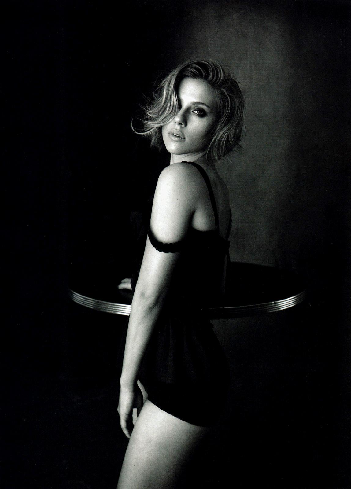 http://3.bp.blogspot.com/-z9uqBbO8htA/To5H23Rn6sI/AAAAAAAAQzQ/EhmvR1-itdo/s1600/Scarlett-Johansson3.jpg