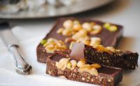Turrón de chocolate con frutos secos