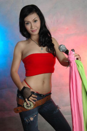 Indonesian reality TV star's nude photos scandal