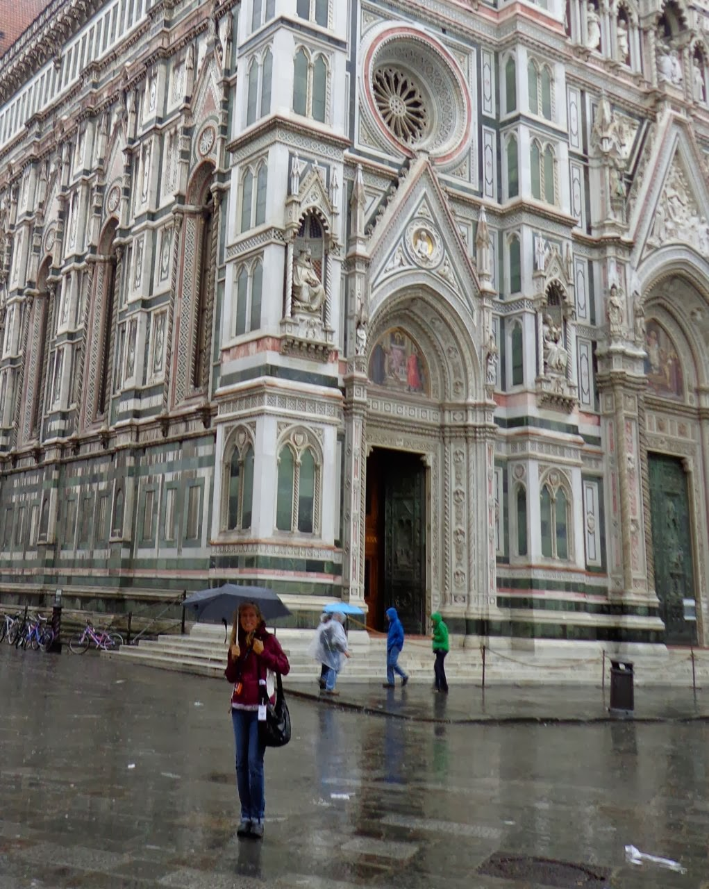 Watergeeks filtered water bottle review the green living guide - Check Out The Photo Of Cog Tester Patricia Crawford Enjoying A First Look At The Renaissance Architectural Masterpiece Il Duomo Di Firenze 1436 Ad