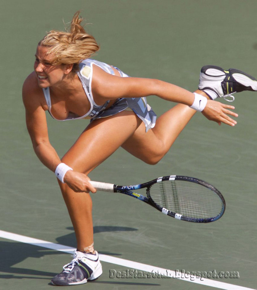 female nude tennis