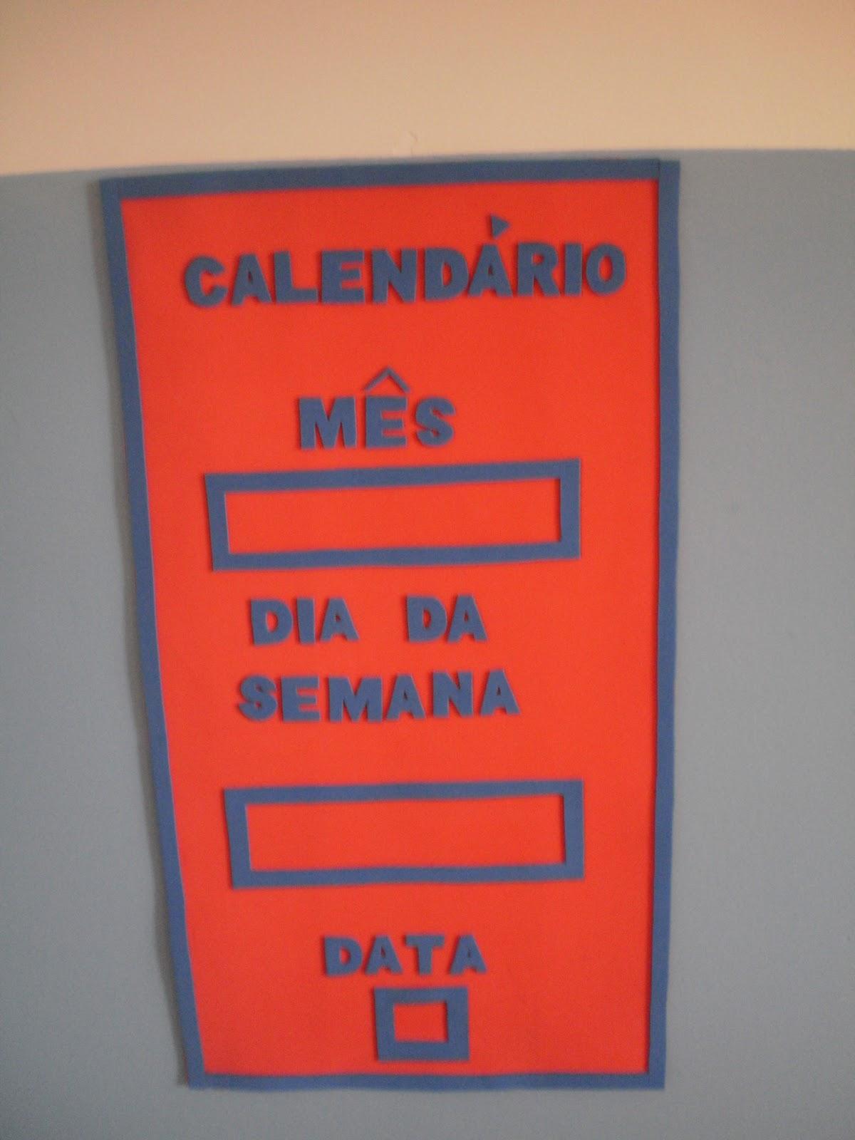 decoracao sala de leitura na escola:painel de recados chamadinha para nomes dos alunos
