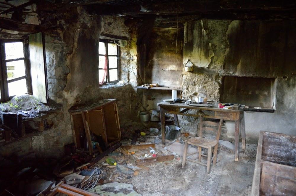 4 passi in oltrep for Seminterrato di case abbandonate