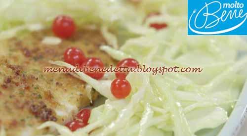 Palombo impanato con insalata di mele e ribes ricetta Parodi per Molto Bene su Real Time