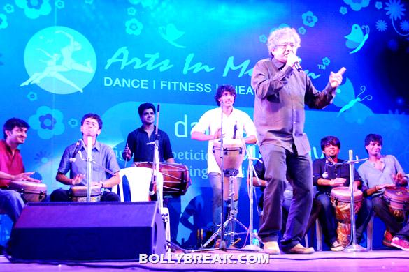 Taufique Qureshi - (5) - Arts In Motion's 'Dance With Joy' 2012 show