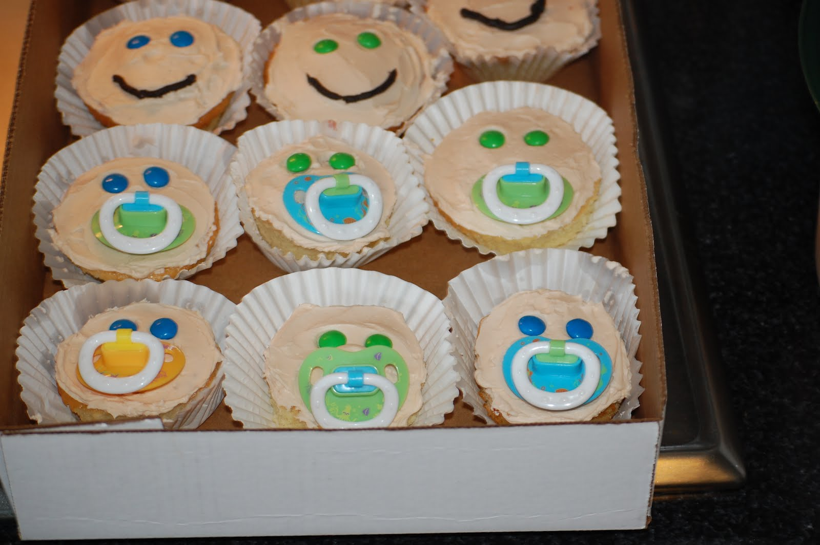 go back gallery for simple baby shower cakes with cupcakes