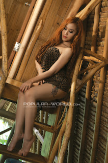 Tika Model Majalah Popular World, April 2013 (Part 2)
