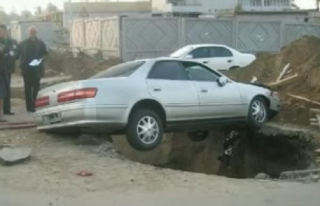mobil mobil kacilakaan
