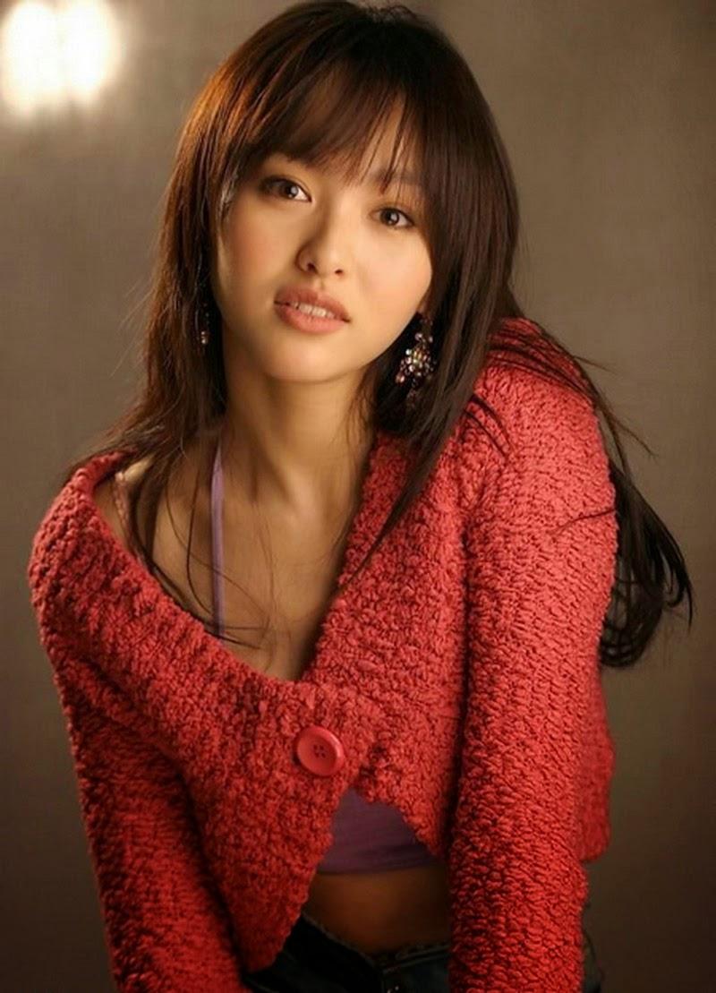 http://3.bp.blogspot.com/-zCTBrsKqcx0/UkcKJW3ldHI/AAAAAAAAO6Q/tdtb1hO5odw/s1600/Tiffany-tang-yan-2011.jpg