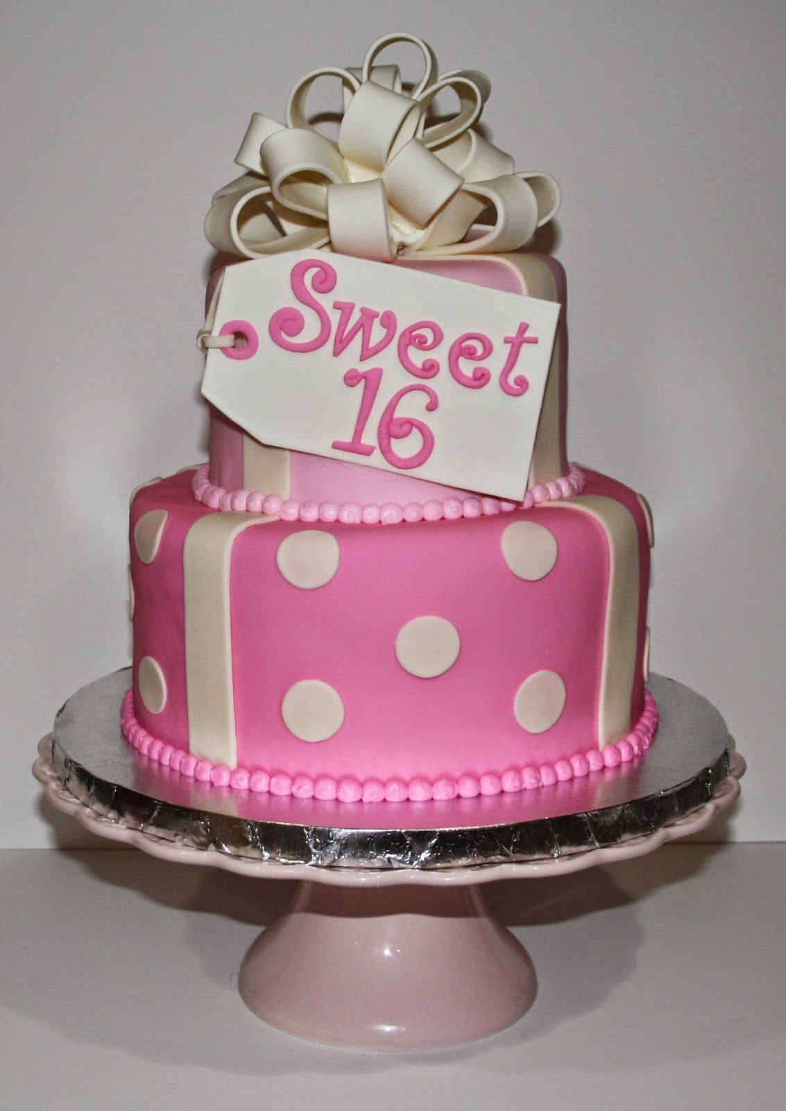 Jacqueline s Sweet Shop: Sweet 16 Birthday Cake and Cupcakes