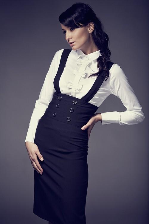 mode fashion et tendance jupes taille haute avec bretelles. Black Bedroom Furniture Sets. Home Design Ideas