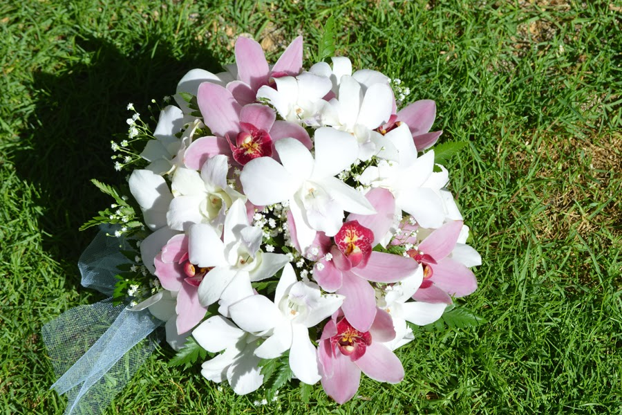 hawaii wedding flowers white orchid purple cymbidium bouquet. Black Bedroom Furniture Sets. Home Design Ideas