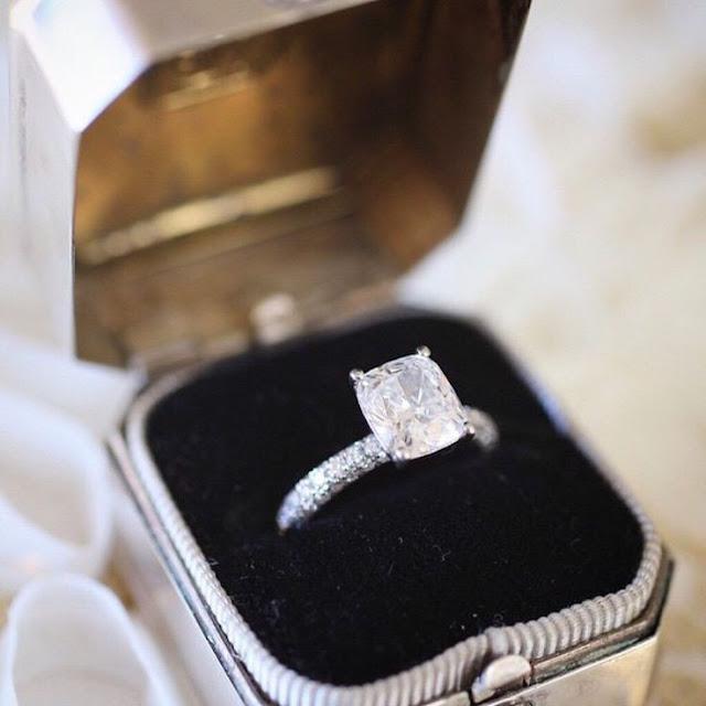 diamond-jewellery-engagement-rings