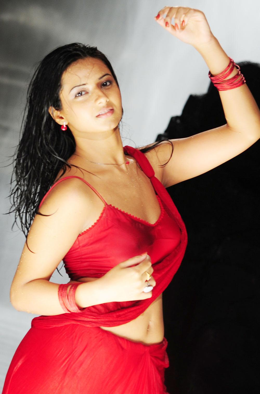 Isha Chawla Indian hot actress