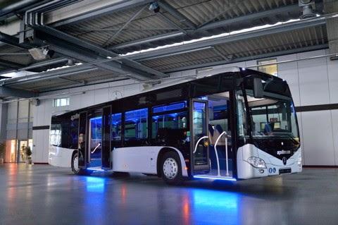 Nautilus bus kota gaya Mercedes Benz