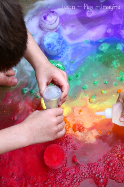 Frozen science for kids with fizzing rainbows