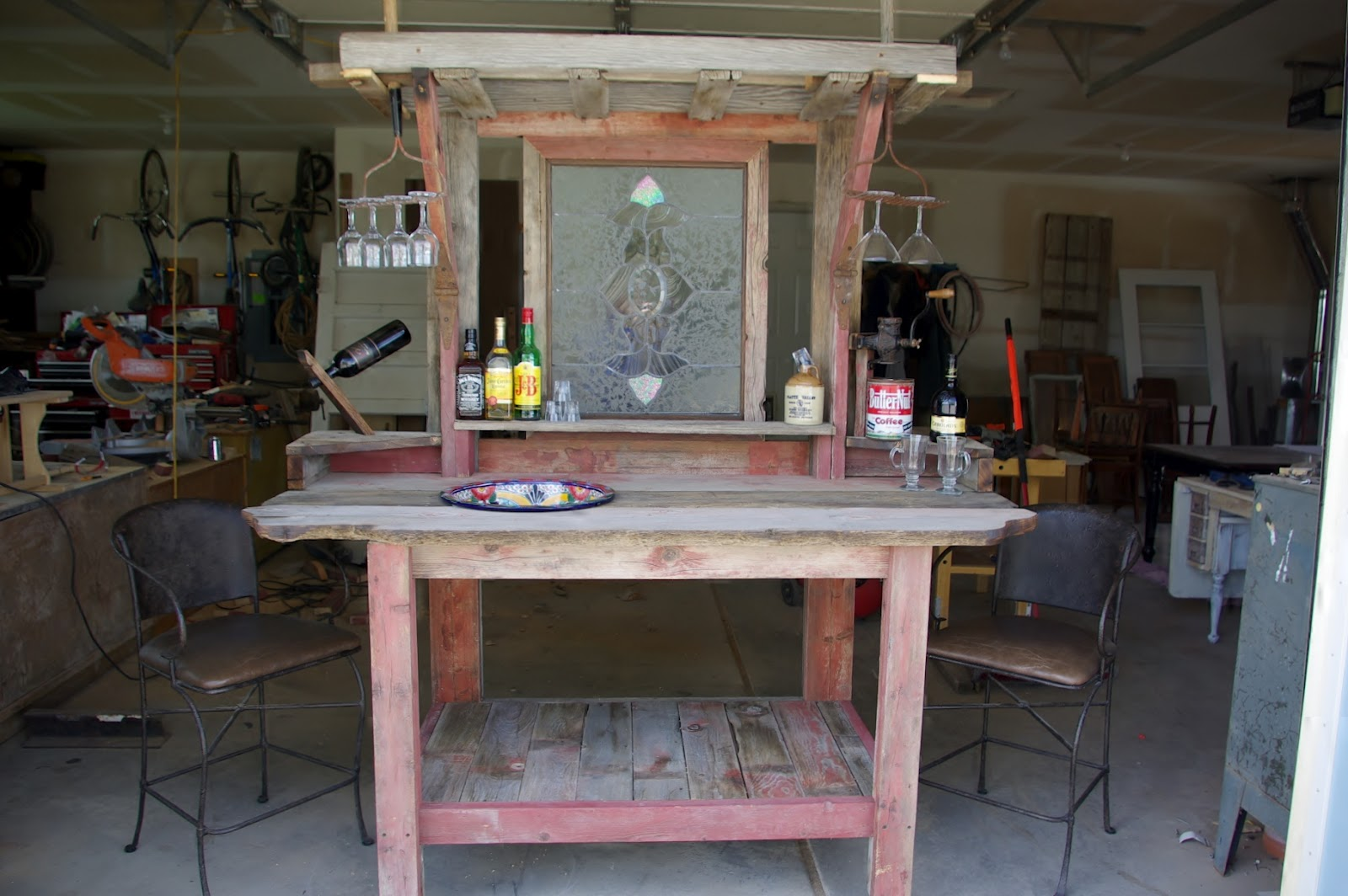Rustic Backyard Bars : Reclaimed Rustics Barn Wood Patio Bar