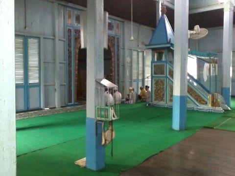Dalam Masjid Su'ada atau Masjid Baangkat di Wasah Hilir